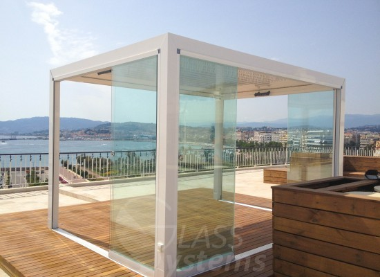 fermeture en verre sans profils verticaux terrasse veranda balcon par glass systems. Black Bedroom Furniture Sets. Home Design Ideas