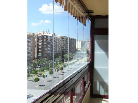 fermeture balcon loggia en rideau verre sans profils. Black Bedroom Furniture Sets. Home Design Ideas