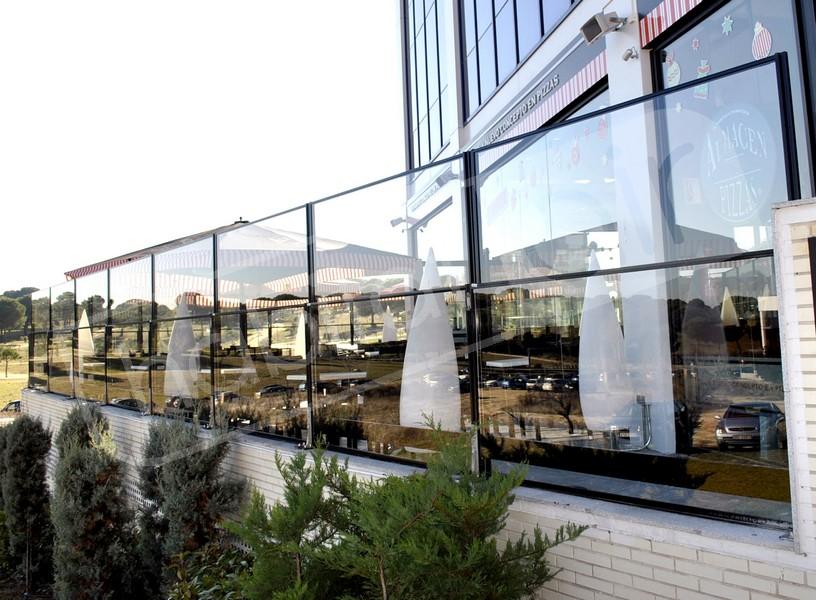 photos de paravent en verre pour terrasses ext rieures. Black Bedroom Furniture Sets. Home Design Ideas