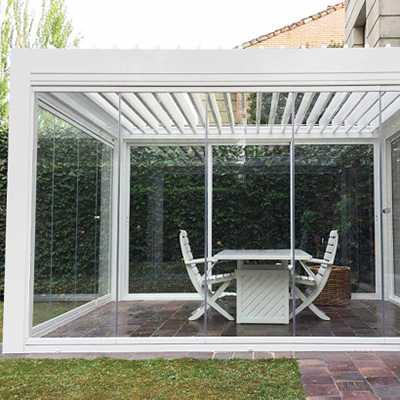 solutions et conseils pour fermer et am nager sa pergola. Black Bedroom Furniture Sets. Home Design Ideas